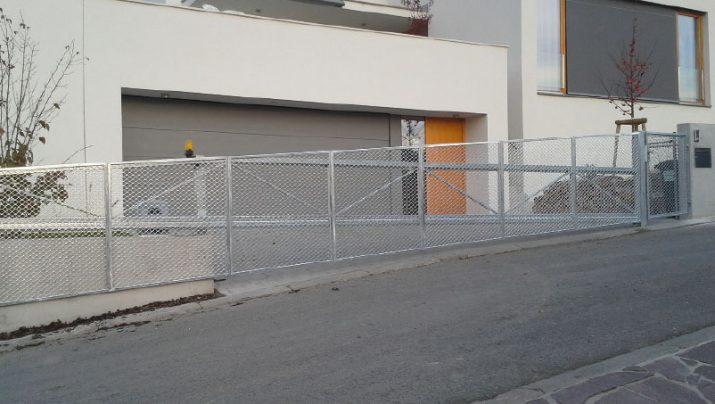 שער קונזולי קל בכניסה לבתי פרטי
