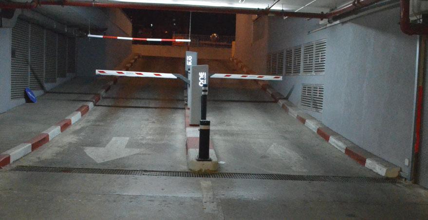 כניסה ויציאה מחניון עם מערכות חניה מתקדמות