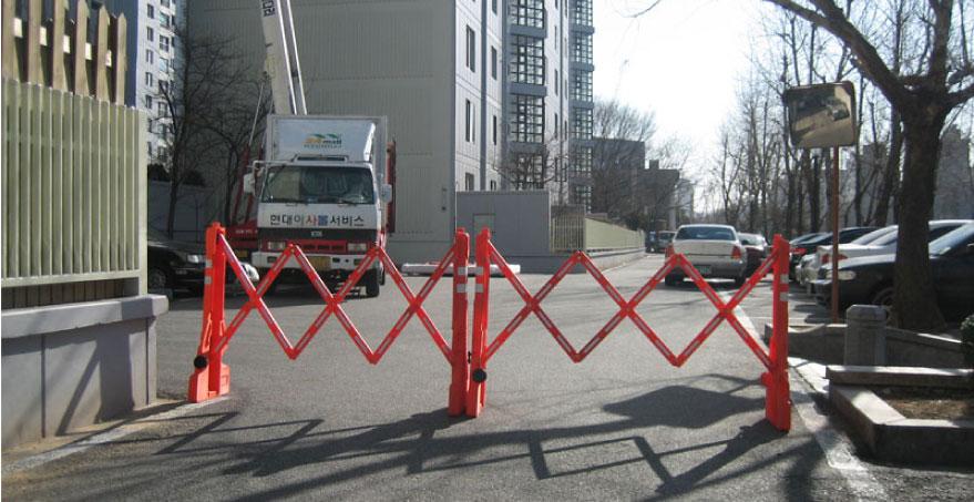 מחסום גדר נייד מתקפל - PILOMAT MULTI GATE