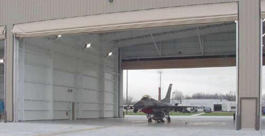 דלתות האנגר למטוסי קרב