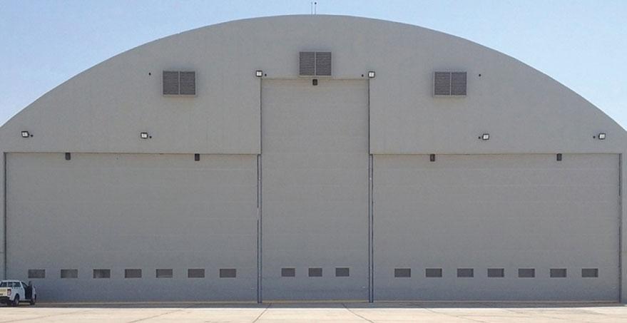 דלתות האנגרים למטוסים