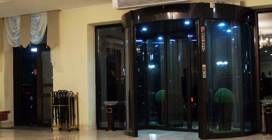 דלתות מסתובבות MultiCOMBO